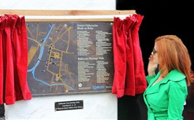 Photo:Unveiling of Heritage Walk Plaque by Maureen Dowd