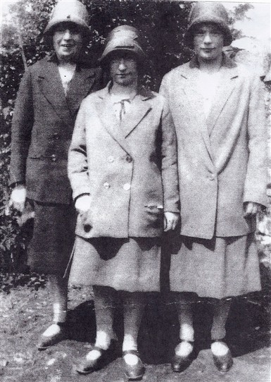 Photo:L to R: Elizabeth Murphy m. John, Cahermaculick, Mary Ryder, daughter of Bridget Murphy, Myles Estate, Annie Murphy, Myles Estate