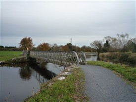 Photo:The second metal bridge near the weir.