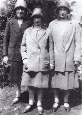 Photo:L to R: Elizabeth Murphy m. John, Cahermaculick, Mary Ryder, daughter of Bridget Murphy, Myles Estate,  Annie Murphy, Myles Estate.